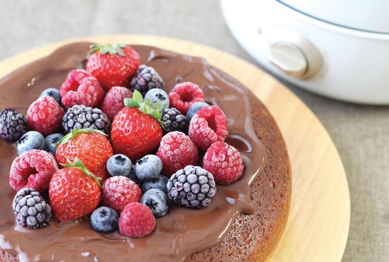 グリルポット レシピ チョコとベリーのケーキ